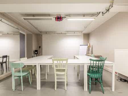 8 postes en coworking design & chaleureux-7