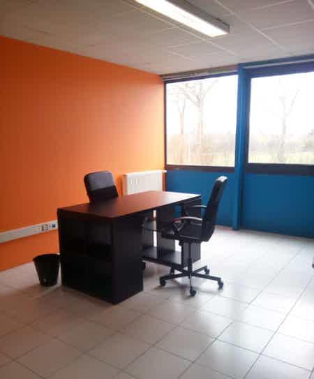 Bureau privatif 25 m2, tout inclus-2