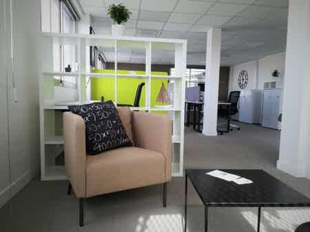 Un espace lounge vous permettra de vous isoler le temps d'un appel ou d'une pause
