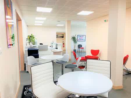 Bureau tout inclus en centre d'affaires-2