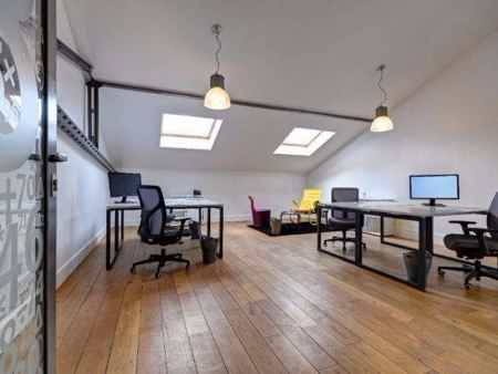 Bureau en espace partagé - bâtiment classé-7