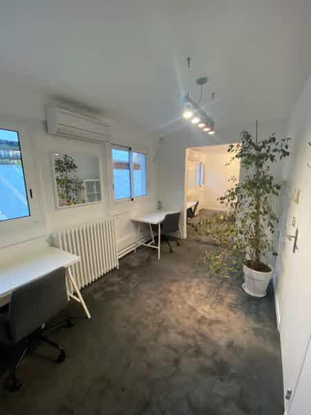 Bureau privé dans atelier industriel XIXe-2