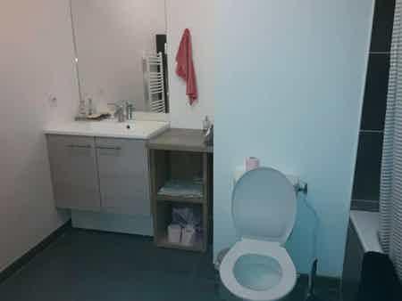 Bureau privé équipé + cuisine et balcon-3