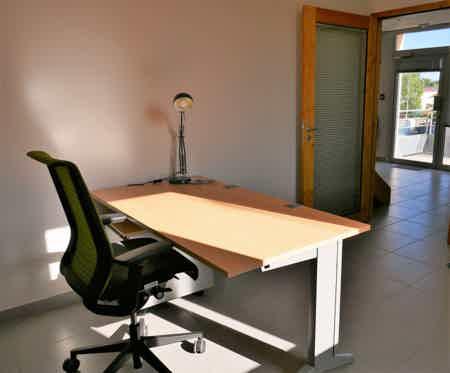 Bureaux privés 1-2 postes dans coworking-4