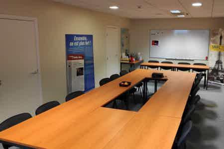 Saint-Denis Pleyel Bureau Privatif + Salle