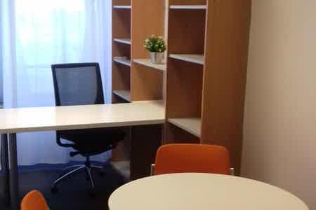 Bureaux equipes et meubles