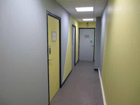Bureau tout équipé en centre d'affaires 12 m²-1