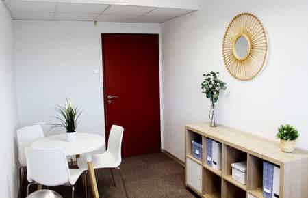 Bureau tout équipé 15 m²-2