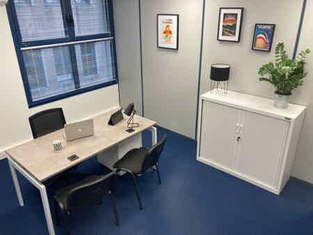 Bureaux indépendants 2 postes 15 m2-5