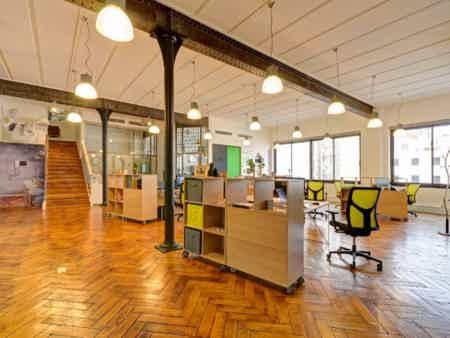 Bureau en espace partagé - bâtiment classé