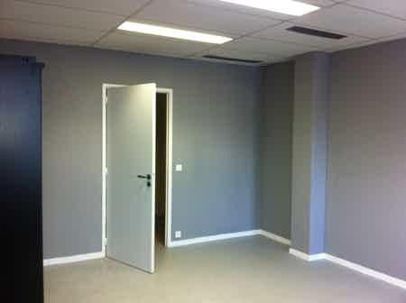 3 bureaux de 19 m2 relié l'un et l'autre-1