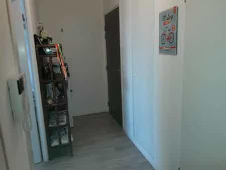 Bureau privé équipé + cuisine et balcon-2