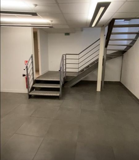 Bureaux RDC et sous-sol de 250m²-1