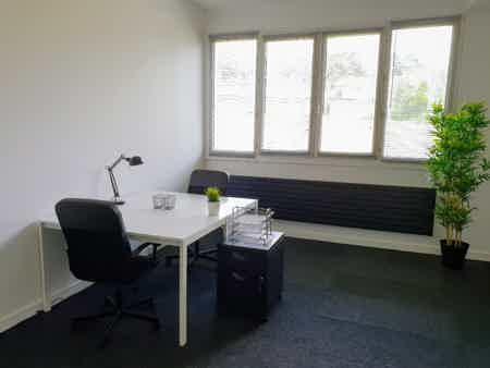 Bureau fermé 24m2 dans Centre d'Activité