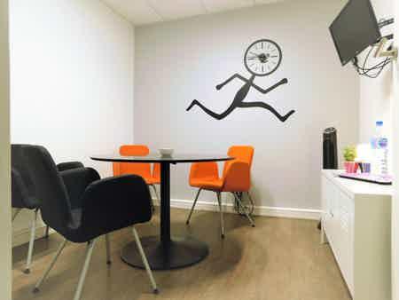 Bureau de travail 6 pers. à Lille-Centre-1