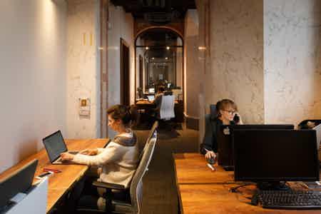 Bureaux de 3 places au Palais de la Bourse-2