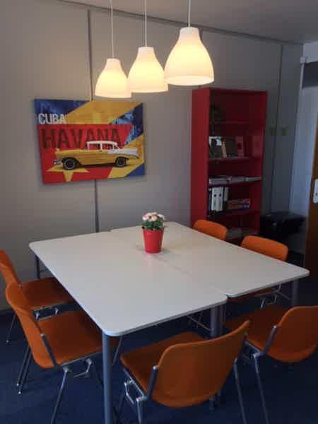 Bureaux equipes et meubles-2