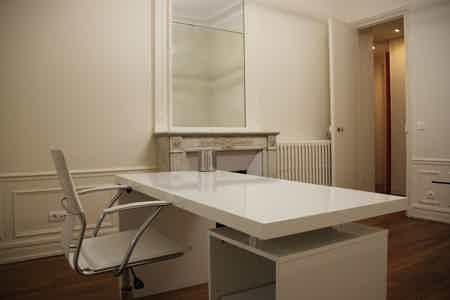 Champ de mars Paris 7eme : 5 bureaux-1