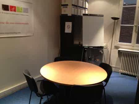 2 bureaux en sous location : 260 & 350€, à bourse-1