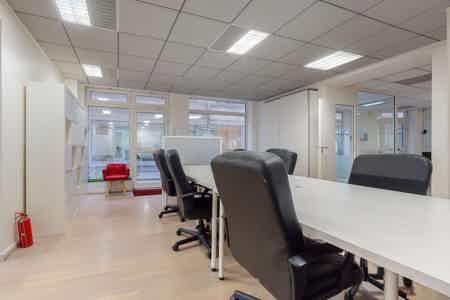 96 m² de bureaux indépendants et équipés-1