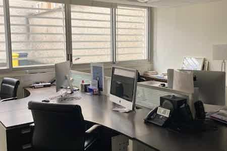 1 bureau indpt , 32 m2, 6 à 8 postes