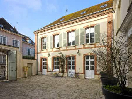 Un bureau en centre-ville de Chartres-1