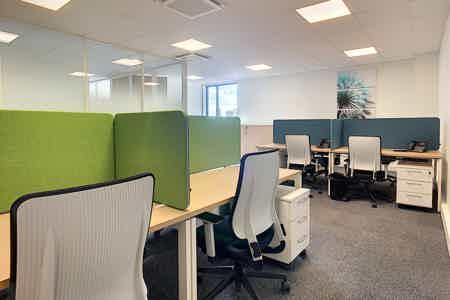 Bureau - 8 postes de travail