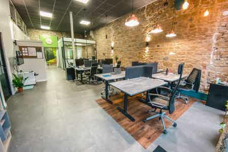 Bureau ergonomique en Open Space à Lyon