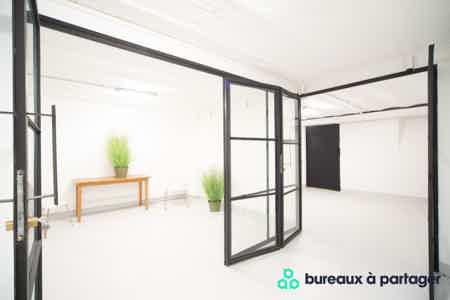 Bureau fermé refait à neuf, rue Saint-Maur-4