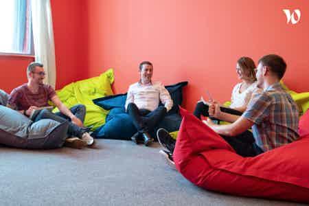 cowork dynamique, internationale, digitale