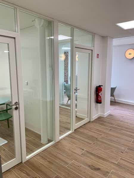 Bureau fermé dans coworking Saint Lazare-1