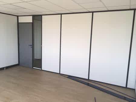 Location 1 bureau de 21 m2 climatisé-1