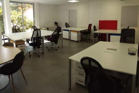 bureau fermé. 40 m². 10 postes