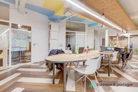 Places de coworking en open-space-3