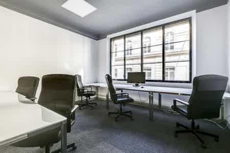 Bureau 4 à 5 postes à Bourse Paris