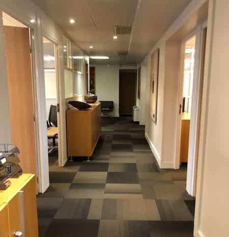 Bureaux privatifs de 2 à 4 postes-2