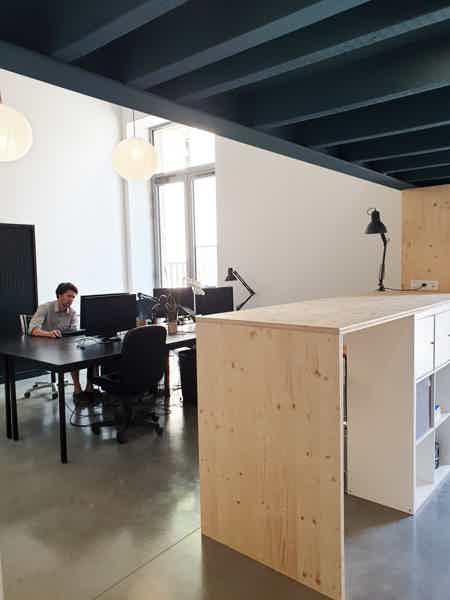 espace à occuper dans bureau-1