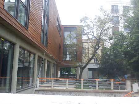 bureau ferme 75 m2 sur terrasse et jardin-5
