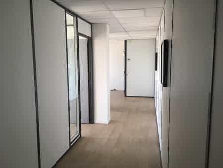 Location 1 bureau de 21 m2 climatisé-2