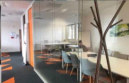 Grande salle de réunion - capacité 12 personnes
