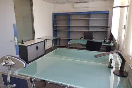 Bureau fermé en centre d'affaire