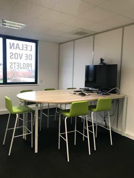 Bureau à Metz | 2 personnes l 15m² | 375€-4