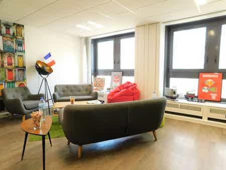 Un bureau fermé pour 3 au centre de Lille