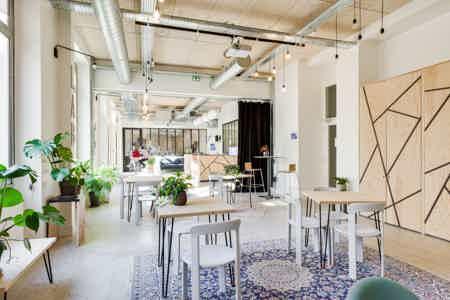 10 postes en open space à partir de 450€HT