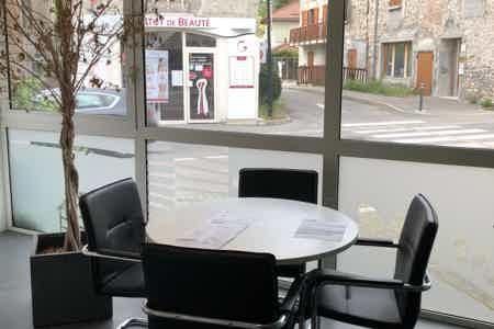 Bureau neuf avec espace réunion