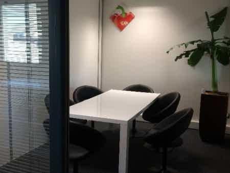 Bureau 13 m² tout inclus grenoble alpexpo-1