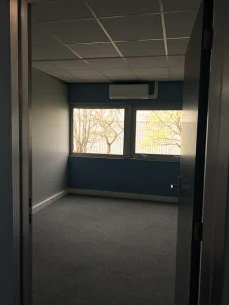 Location de bureaux à Torcy-1