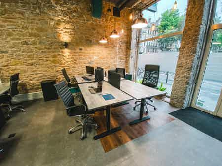 Bureau ergonomique en Open Space à Lyon-5