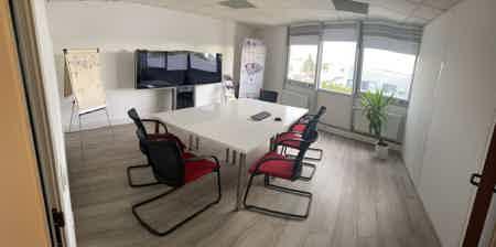 Bureau coworking et salle de réunion-1