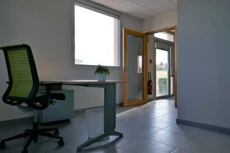 Bureaux privés 1-2 postes dans coworking-1